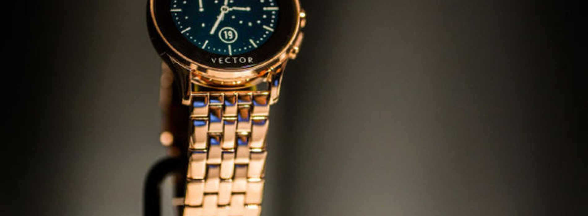 Vector smartwatch comes with a 30-day battery life